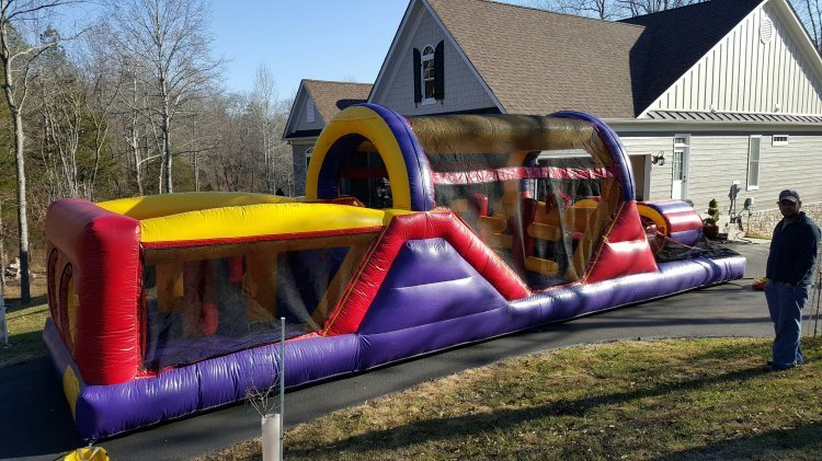 Giant 40' Obstacle Course 80577